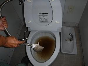 トイレ(洗浄中)