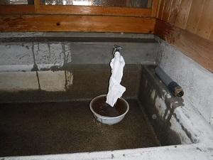 紙すき用水栓(洗浄中)